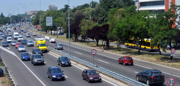 Izmestanje Stajalista Autokomanda Sa Torbama Kod Dz Vozdovac