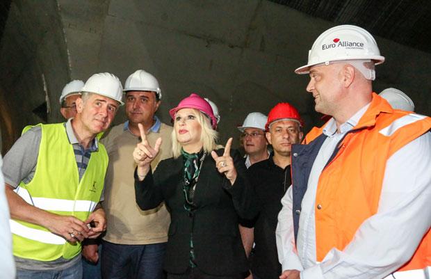 Ministarka Mihajlović: Mi gradimo puteve i spajamo Srbiju sa EU, a neki drugi je blokiraju, u tome se razlikujemo