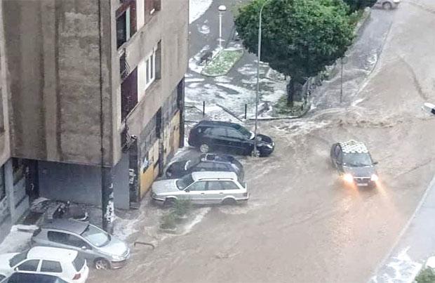 NEVREME U SRBIJI: Oluja je lomila sve pred sobom!