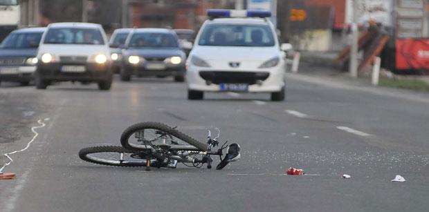 Rezultat slika za Teške povrede: Djevojku udario 13-godišnji biciklista