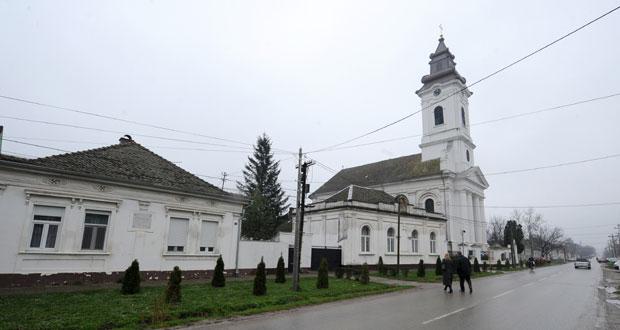 Kovilj: Kuća u kojoj je živeo Laza Kostić (levo) Foto D. Dozet