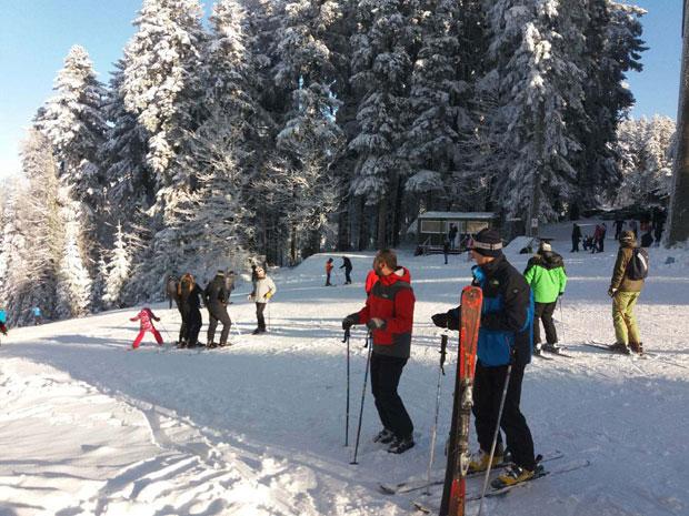 Na Kozari sve više skijaša