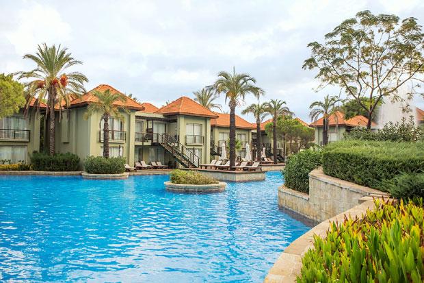 LUKSUZ UŠUŠKAN MEĐU PALMAMA: Prepustite se uživanju u jednom od najpoznatijih hotela u Antaliji
