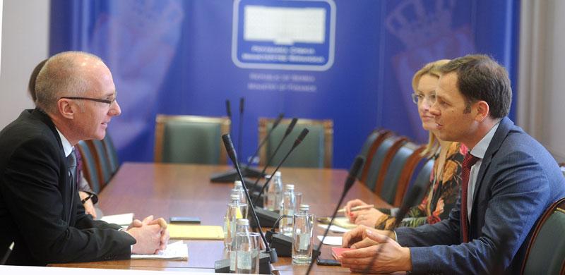 ODLIČNA SARADNjA DVE DRŽAVE: Nemačka otpisala Srbiji dug od 18,5 milona evra