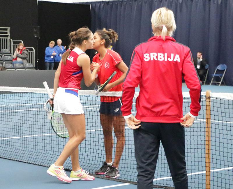 Selektorka i teniserke Srbije srećne posle pobede nad Turskom  Za ... 9b55acefc68f8