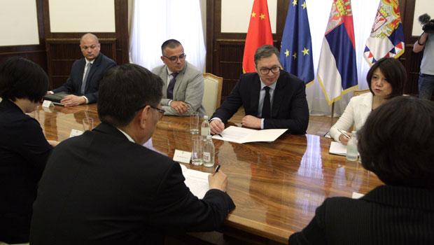 Vučić: U interesu Srbije da izvozi na kinesko tržište