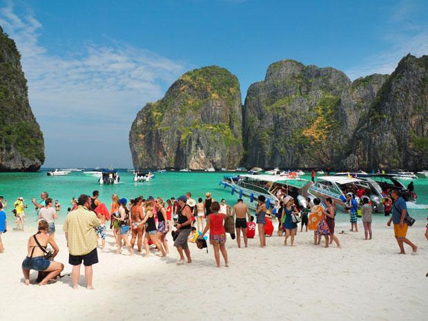 'Novosti' u Tajlandu: Jedi, moli, plači