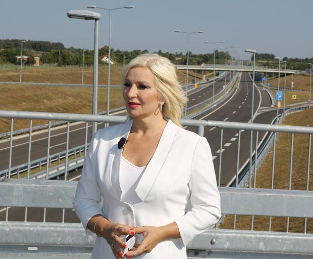 Ministarka obišla trasu Koridora 11: Sve spremno za puštanje u saobraćaj u nedelju