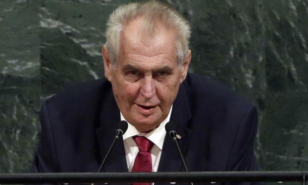 Земан: Чешка ће можда једног дана опозвати признање Косова