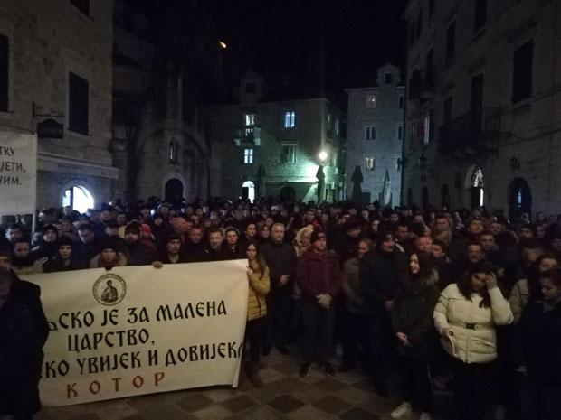 U CG stiže vojska od 200 tisuća Kozaka Kotor-(2)