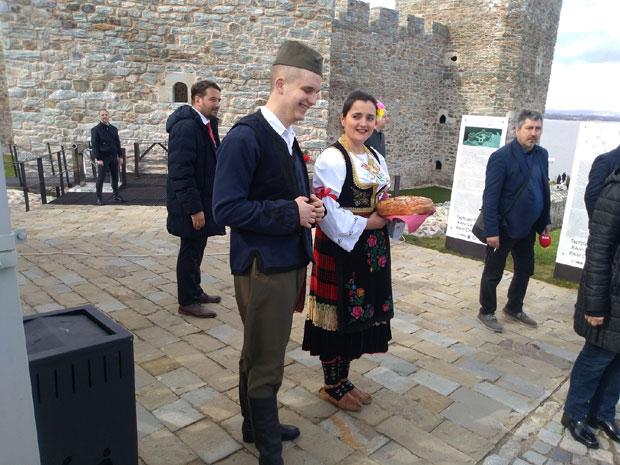 Напредни ИДИОТИ славе обнову симбола вишевековне Отоманске окупације и терора над Србима
