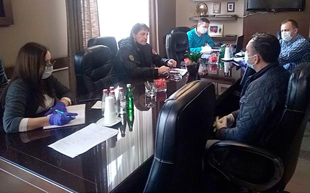 Kruševac kupio uređaj za pravljenje natrijum hipohlorita koji će besplatno snabdeti pola Srbije, takav uređaj postoji i u HI Župa, a obećana i pomoć penzionerima