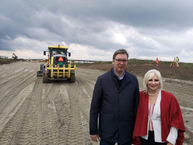 Srbiju neće moći niko da stigne: Vučić obišao radove na izgradnji petlje Batajnica