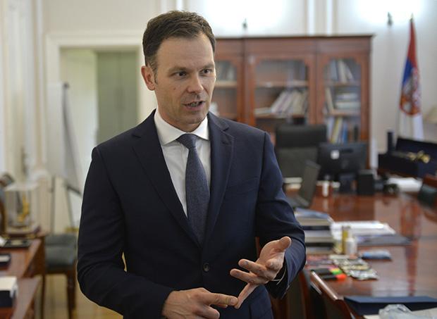 """""""Sektorima koji su posebno ugroženi biće obezbeđeni povoljniji uslovi za kredite"""": Ministar Mali o merama za pomoć privrednicima"""