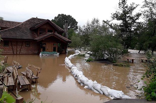 Србија: У 20 градова и општина ВАНРЕДНА ситуација због поплава